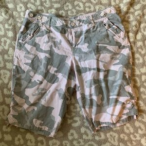 CATO Woman camo shorts